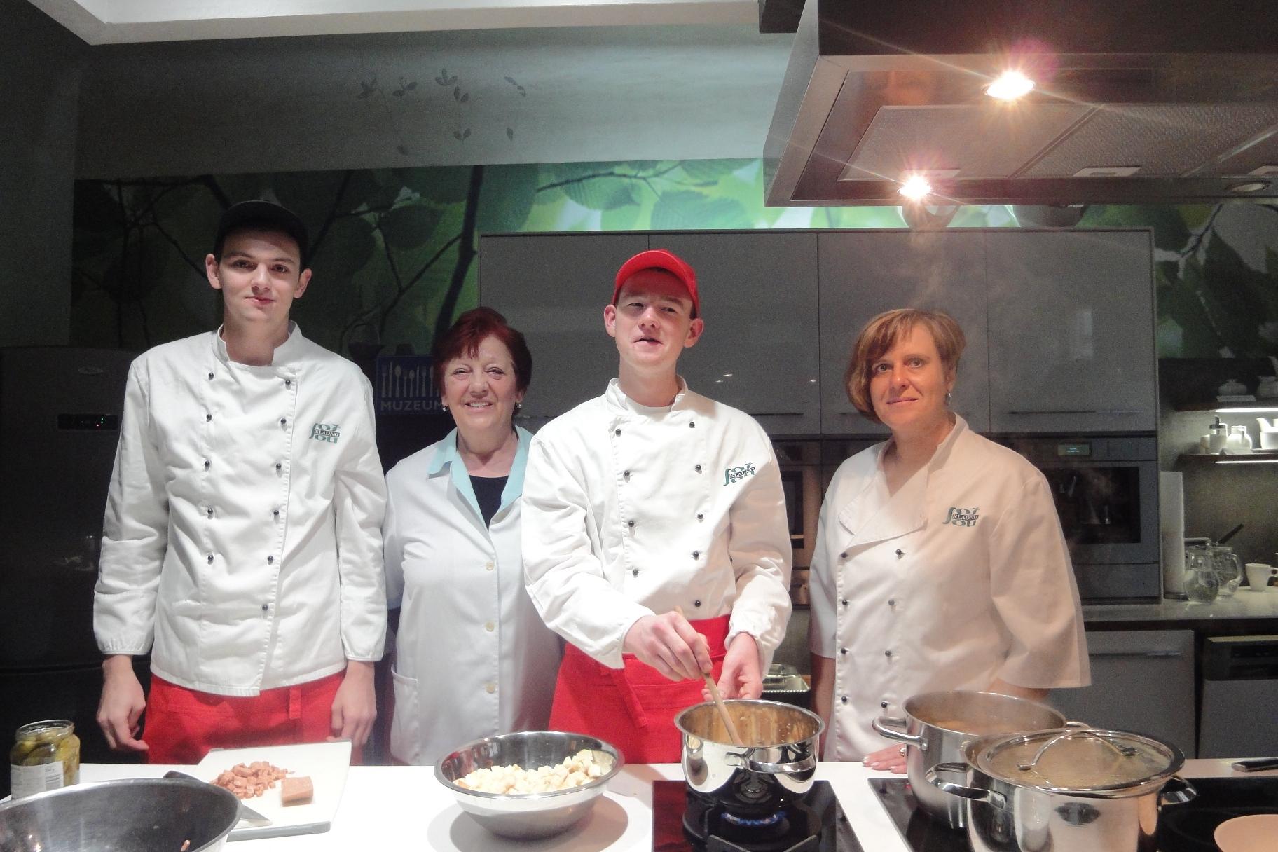 Vaření studentů